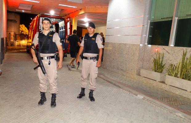 RAPAZ LEVA 3 TIROS DORNELAS- POLICIA