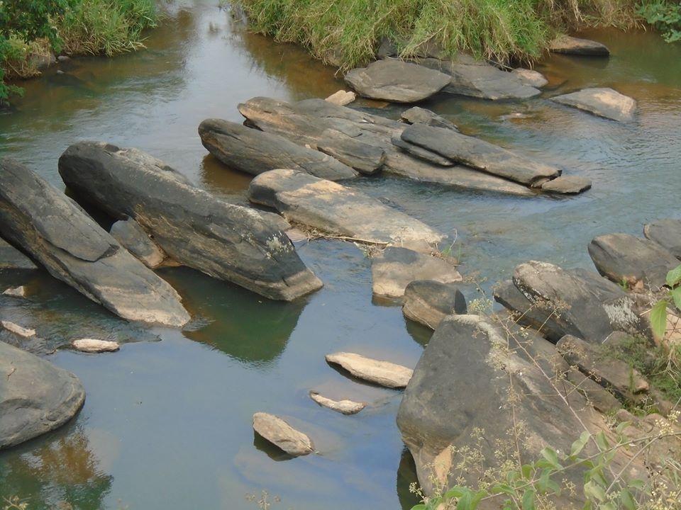 agua nas pedras12g