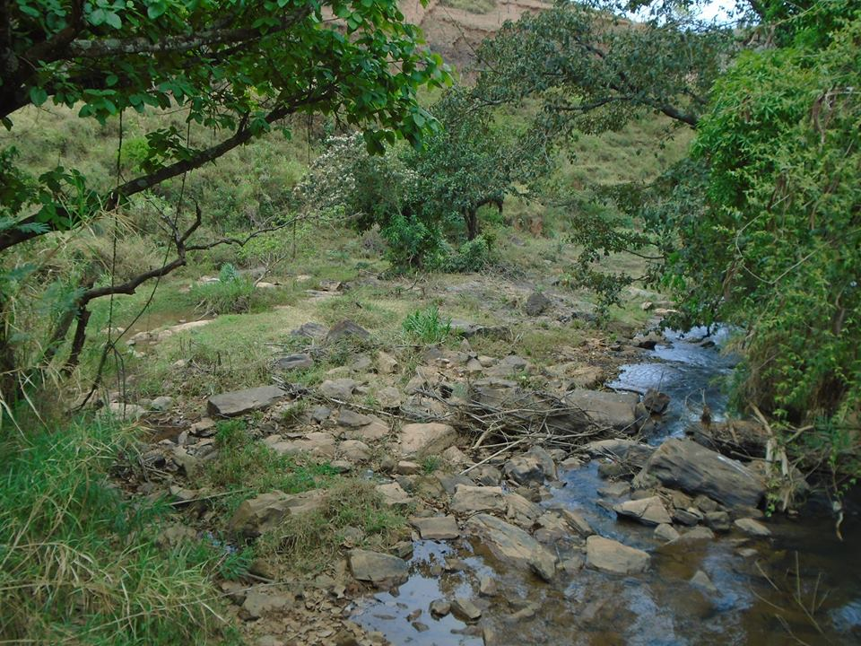 agua nas pedras9g