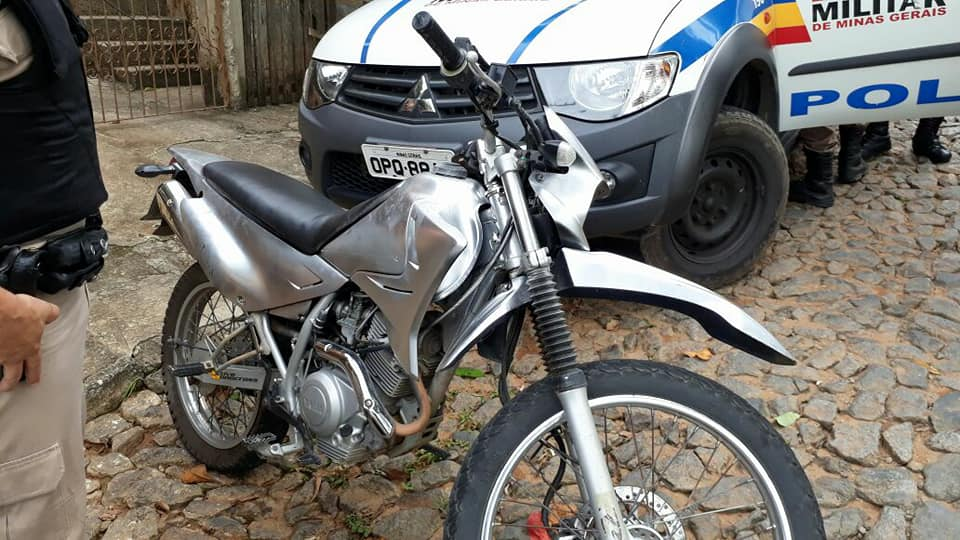 motocicleta furtada e raspada