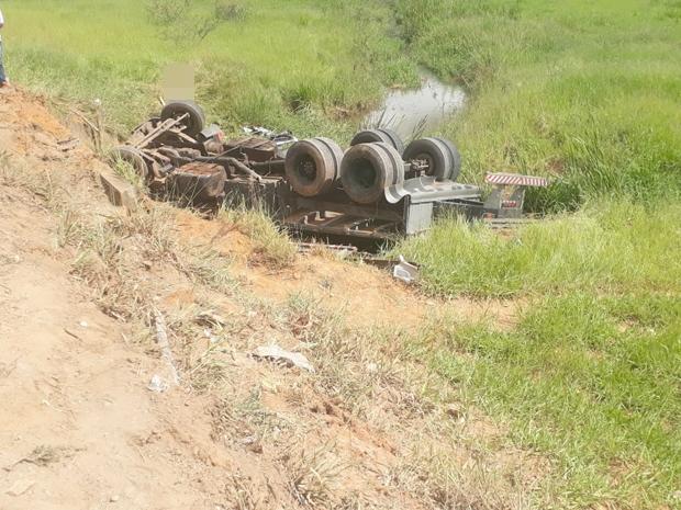 Motorista de 23 anos morre em acidente com caminhão próximo a Ervália (2)