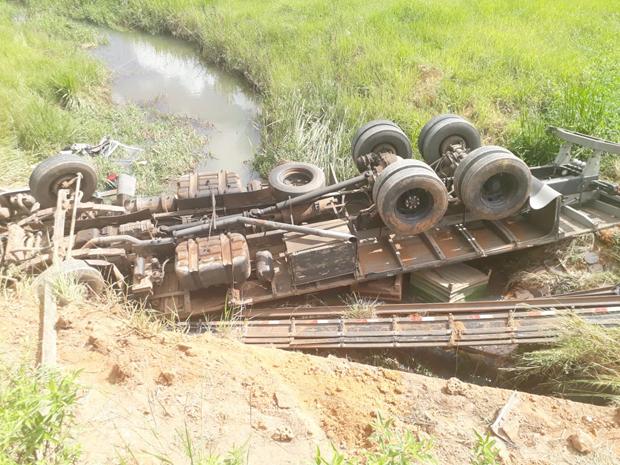 Motorista de 23 anos morre em acidente com caminhão próximo a Ervália (4)