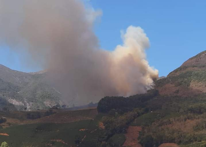 Incendio Alto Caparao Pico (3)